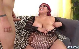 Horny Latina plumper Veruca Darling sucks off her lovers stiff penises