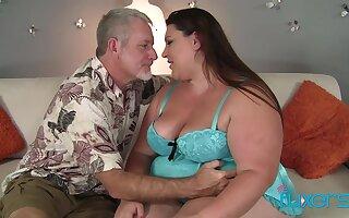 BBW Bella Bendz facial cumshot from older guy who loves big chubby girls
