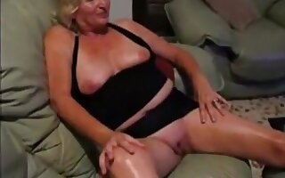 aged lady flashes her mounds ans hairless wet crack