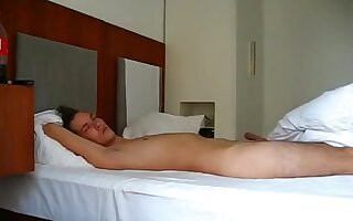 Curvy dark brown gf copulates her boy-friend in hotel