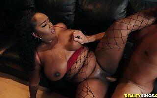 Studio Sweetheart: interracial about Ryan Driller and curvy ebony materfamilias Layton Benton - massive deadly tits