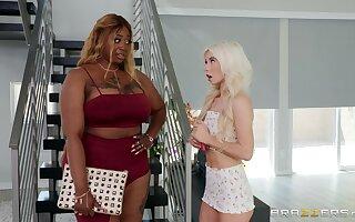 Tiny teen Kenzie Reeves and ebony BBW Victoria Cakes go lesbian